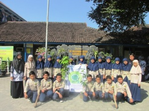 _Green Wave 2015_MI Muhammadiyah Karanganyar Central Java Indonesia_01